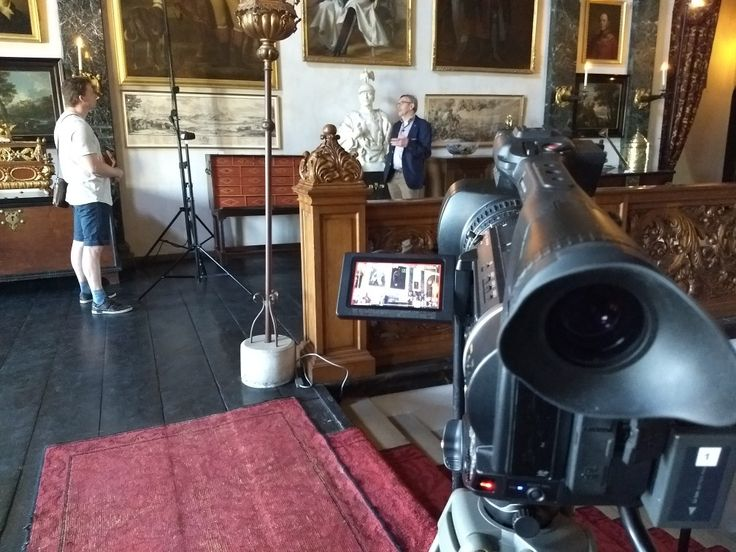 April 20th, 2018. We are making a video item about the German Emperor who fled to the Netherlands at the end if the first World War. He stayed in Castle Amerongen for three years. There he signed his abdication.