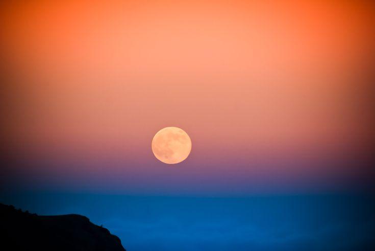"""""""photo: lua - moon at sunset"""""""