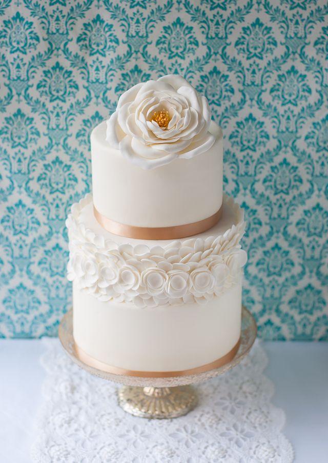 Lulus Sweet Secrets: White Open Rose