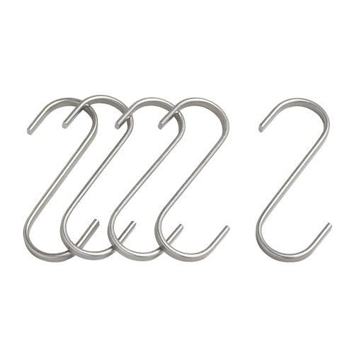 des crochets metalliques