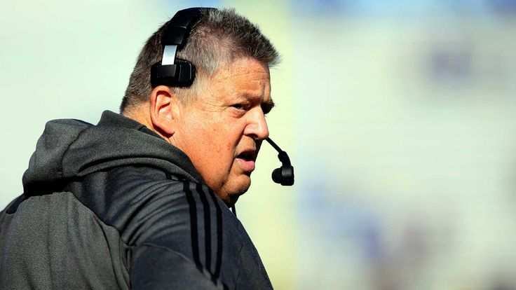 Charlie Weis could earn $24.5 million from Notre Dame, Kansas while not coaching
