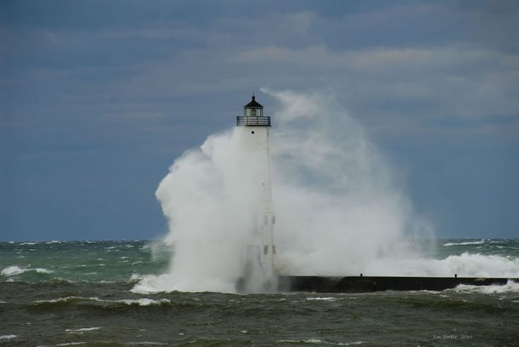 Winds 30-40, gusts to 55, mid lake waves at 17-22 ft, very impressive storm. This was taken from the beach at Frankfort Michigan. The lighthouse in the photo is 76 ft tall.