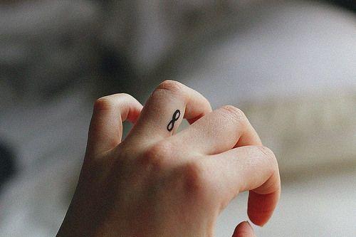 74 Tatuajes diminutos y de muy buen gusto