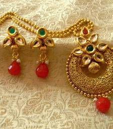 Buy Beautiful Kundan Multicolour Wedding Pendant Set Jewellery Pendant online