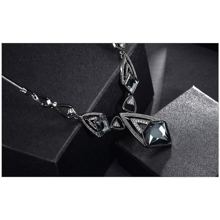 Gunmetal Color Geometric Chain Necklaces for Woman Crystal Pendant Rhinestone Female Vintage Trendy Necklaces