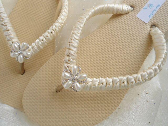 Ivory Bridal Flip Flops, ivory sandals, ivory wedding flip flops, beach wedding shoes, ivory flip flops, nude flip flops, nude shoes by AdrianaSantosBridal on Etsy https://www.etsy.com/listing/191092938/ivory-bridal-flip-flops-ivory-sandals