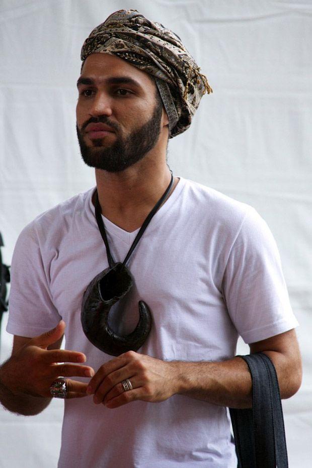 Murban /// Os turbantes masculinos, em uma imagem para ficar na cabeça..