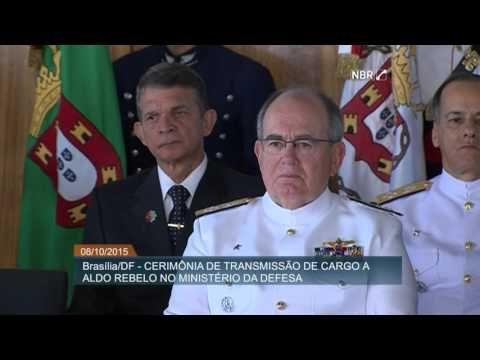 Aldo Rebelo assume comando do Ministério da Defesa