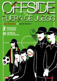 DVD CINE 1639 -- Fuera de juego (2006) Irán. Dir.: Jafar Panahi. Comedia. Feminismo. Sinopse: quen é aquel mozo silencioso sentado ao fondo do autobús cheo de seareiros camiño dun partido de fútbol? O mozo de aspecto tímido é en realidade unha moza disfrazada. Pero non é ela soa. Hai moitas mulleres ás que lles gusta o fútbol en Irán. Detéñena ás portas do estadio antes de que empezo o partido e encérrana nun lugar próximo con outras mulleres disfrazadas de home.