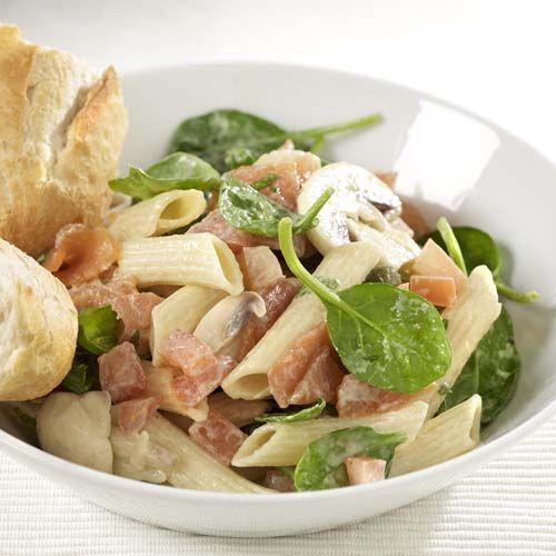 Pastasalade met zalm en spinazie (glutenvrij)