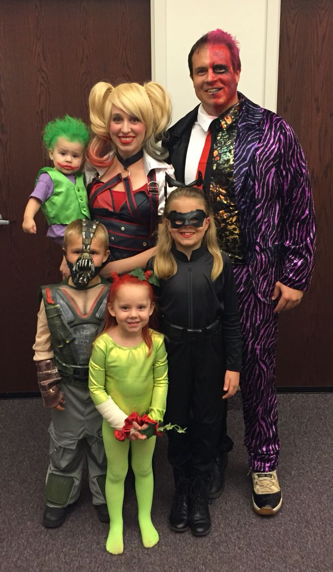 Hoop Hangout - Family of Six Costumes - Family Costumes - Cosplay - Group Costumes -  Halloween - Batman Villains - Two Face - Harley Quinn - Catwoman - Bane - Poison Ivy - Joker