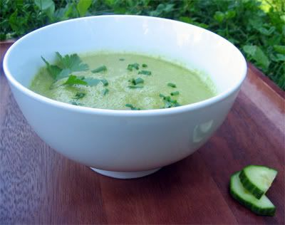 amazing cucumber avocado soup (i substituted lettuce for spinach with amazing results)