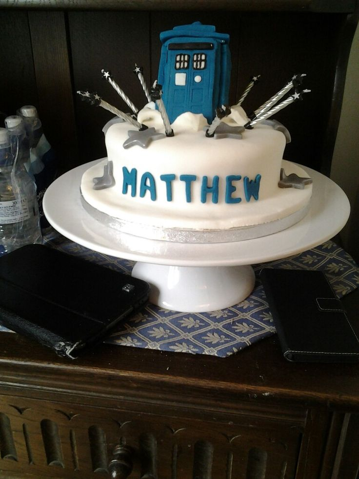 Dr Who birthday cake