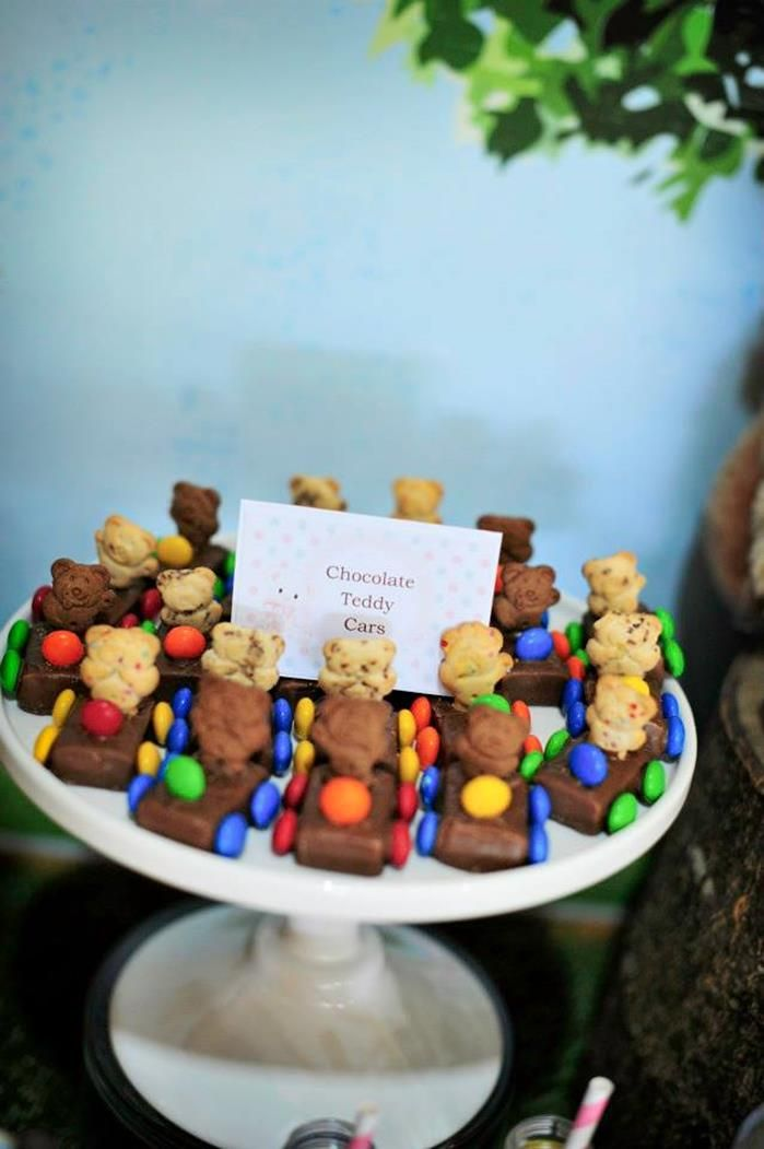 Teddy Bear Picnic - Adorable chocolate teddy cars.