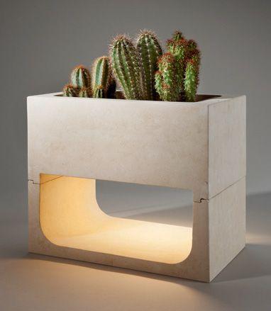 Lightflow, maceta con luz de Luciano Scippa