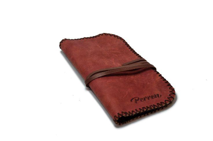 Кисет для табака Perren.  Размер: 9.5х16,5см.   Цена: 1600 руб. Свяжитесь с нами: vk.com/id1237202 Viber, WhatsApp +7 (915) 567-75-84 тел.: +7 (4722) 770-780 http://www.perren.ru/#!accessories/ce37