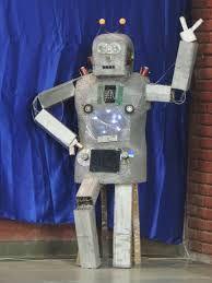 robot art made out of e waste#nextR2D2