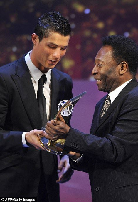 Pele hands him the gong in Zurich