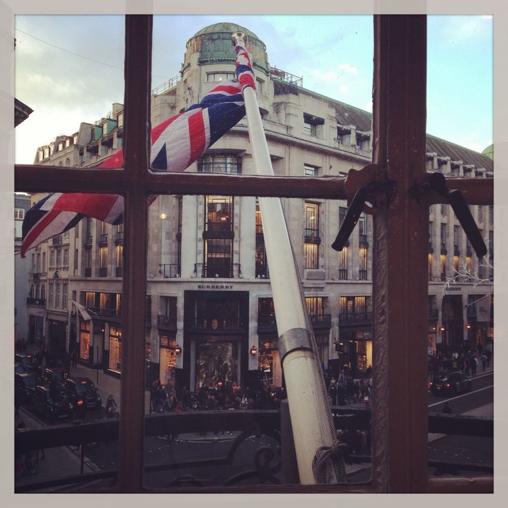 London - Oxford and Regent St shopping #burberry