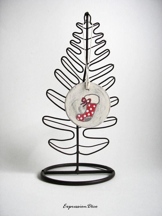 Decoration du sapin boule de Noël en bois patiné gris motif chausson