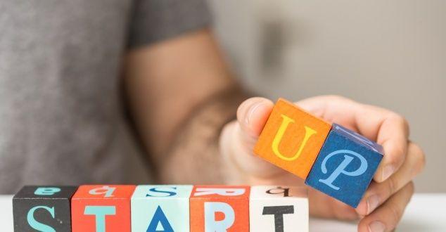Czy młodzi #przedsiębiorcy świadomie korzystają z PR-u i działają według określonej strategii, czy też kierują się bardziej intuicją? Jakie kanały komunikacji wybierają i jaki jest ogólny wizerunek branży startupowej w mediach? Odpowiedzi na te pytania przynoszą analizy przeprowadzone przez Concilio Communications, Mispie - Internetową Agencję Badawczą oraz PRESS-SERVICE Monitoring Mediów.
