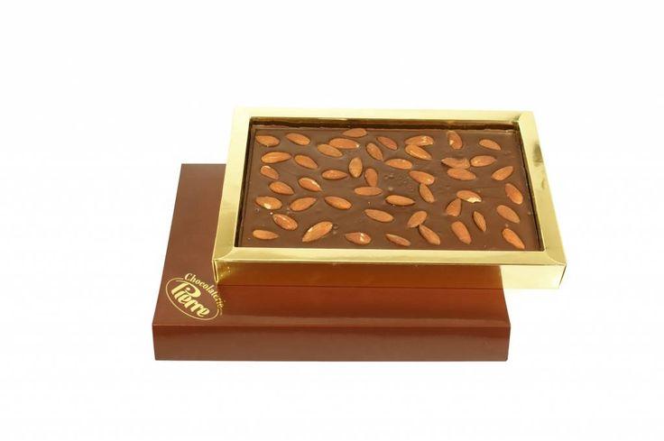 Chocoladetablet met amandelen (puur)