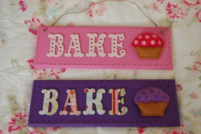 Handmade Felt Cupcake Bake Sign Plaque Hanging -Choice of 2 colours -Kitchen. £14.99
