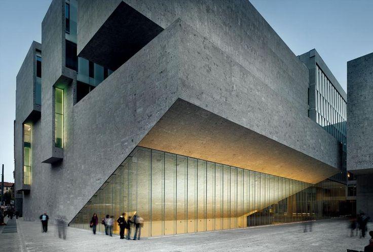 Nuova Bocconi: l'edificio e il libro