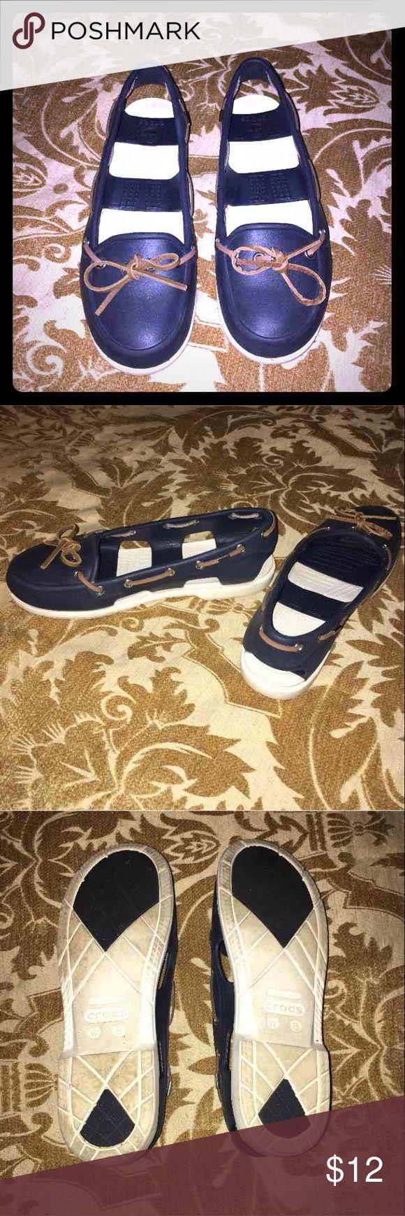 Crocs shoe Women's crocs shoe size 8. Only worn once before! CROCS Shoes Flats & Loafers