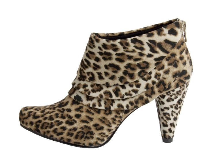 Name: Whitney  Item Number: 2637425199  Price: £32  Size Range: 3-8