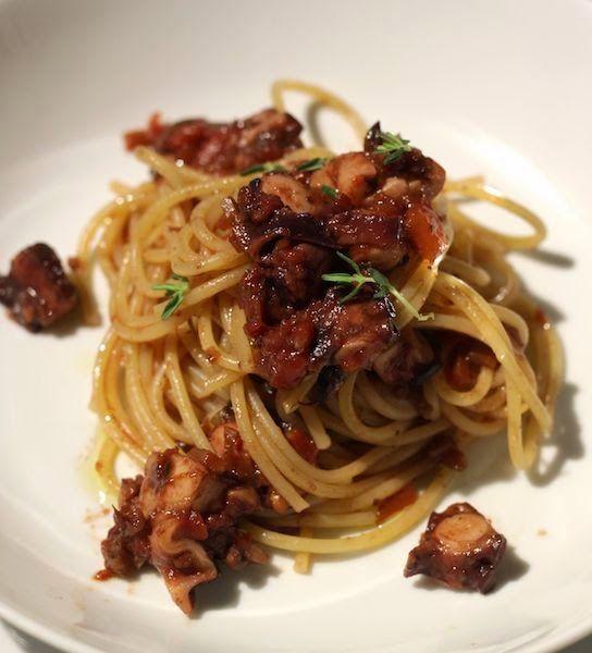 Spaghetti al ragù di polpo ubriaco
