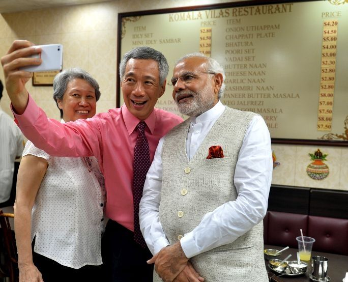 PM Lee Hsien Loong invites PM Modi to have tea with him in Little India, Singapore