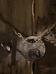 old padlock - старый навесной замок