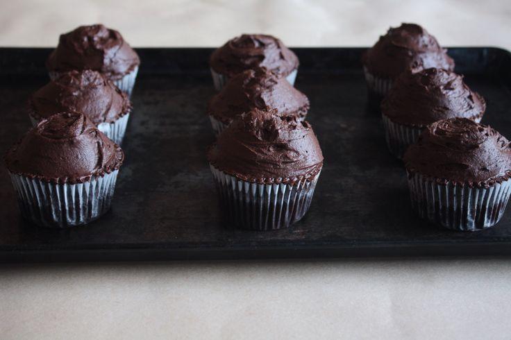 Chocolate Cupcakes with Dark Chocolate Ganache Frosting – Anjlee Parmar