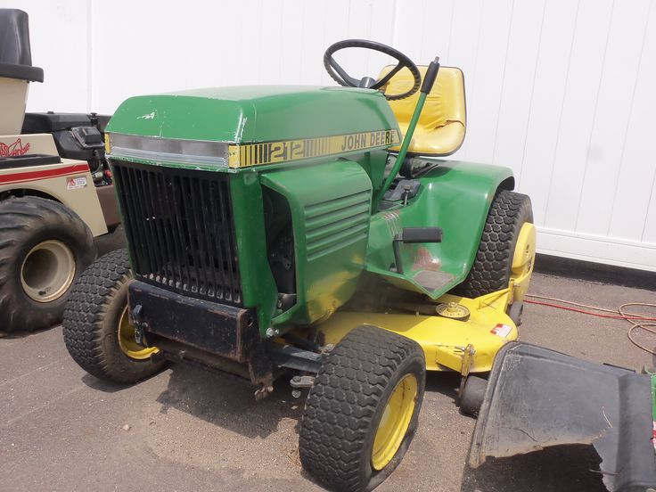 John Deere  212 from late 1970s