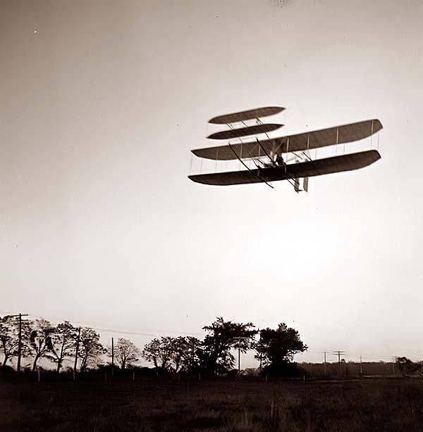 Wright Brothers, flight 46   >>>  https://de.pinterest.com/geneleachman7/air/ >>>  https://de.pinterest.com/pin/360569513892855613/