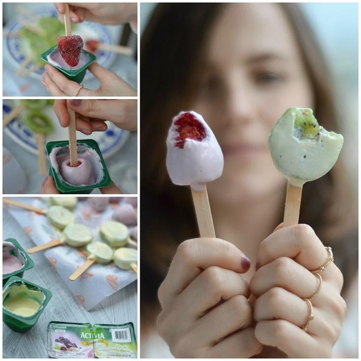 Fruta congelada recubierta de yogurt / -Frozen yogurt covered fruit Pops.