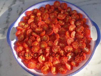 μικρή κουζίνα: Πώς φτιάχνουμε λιαστές ντομάτες
