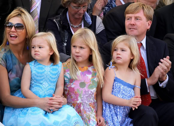 Royalty Online: Crown Princess Maxima and Crown Prince Willem Alexander with their three daughters Princesses Ariane, Catharina-Amelia, and Alexia, Sep. 2011