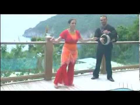 Les rythmes de la danse orientale – Cours complet  Video  Description Cours complet de danse orientale avec Myriam Douiou. La célèbre professeure de danse orientale, Myriam Douiou, vous propose de découvrir un programme complet dédié aux rythmes et aux percussions orientales. Accompagné... - #Videos https://healthcares.be/videos/dance-tips-video-les-rythmes-de-la-danse-orientale-cours-complet/