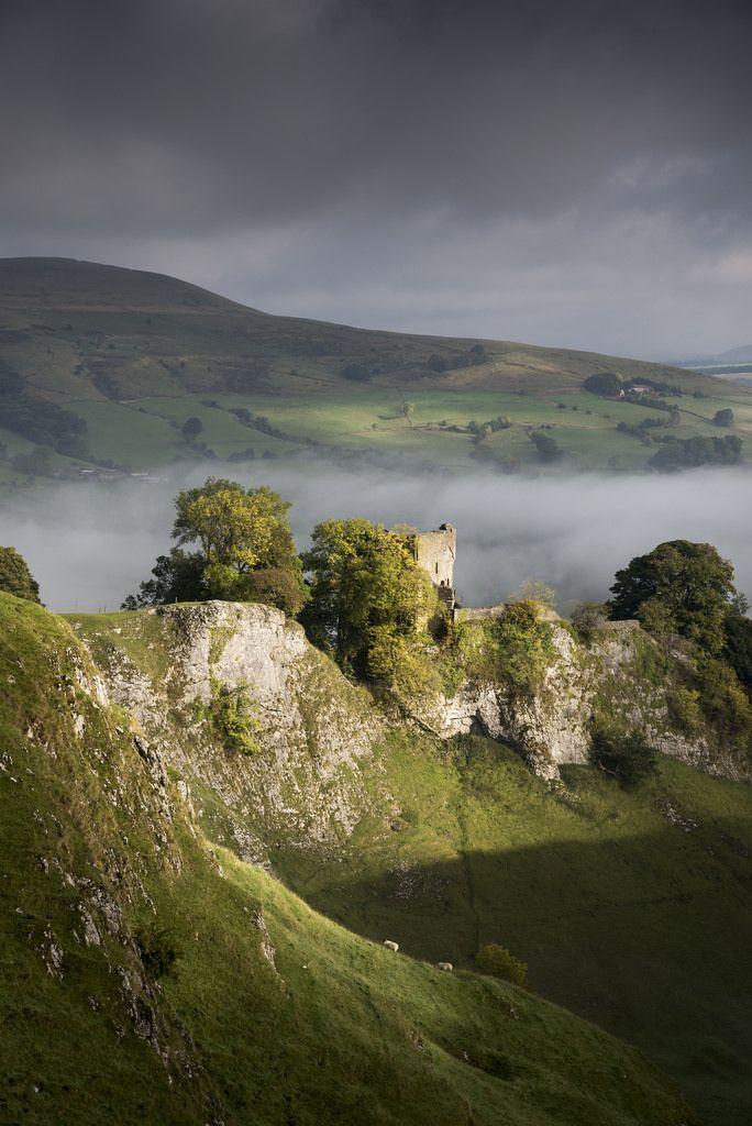 Peveril castle in the spotlight by Keartona