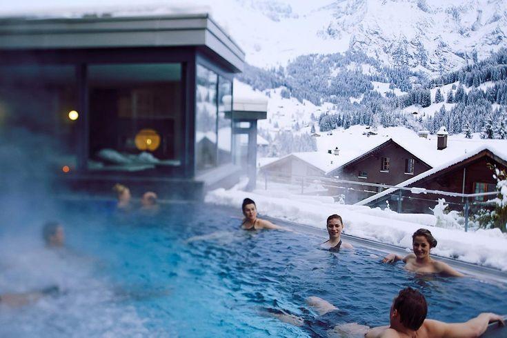 """""""In der malerischen Landschaft der Schweizer Alpen gelegen und mit einem atemberaubenden Bergpanorama zu allen Seiten ist das Cambrian der..."""