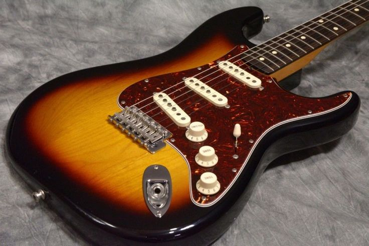 Fender Mexico Classic Series 60s Stratocaster 3-Color Sunburst Free shipping EMS…