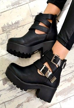 RAEGAN Chunky Heel Biker Style Chelsea Ankle Boots Black