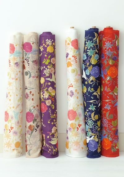 Oh, those Japanese, how they know just what to spin to make me smile, these fabrics are exactly what I need...