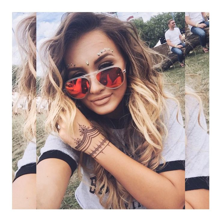 "Sarah Ashcroft  on Instagram: ""At #LOVEBOX today with @solillas ✌️ loving my @bodybauble face gems and @regalrose tattoo!"""