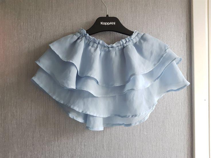 Annons på Tradera: Jättesöt kort handsydd kjol stl från 2 år.Läs beskrivning!Fri Frakt!