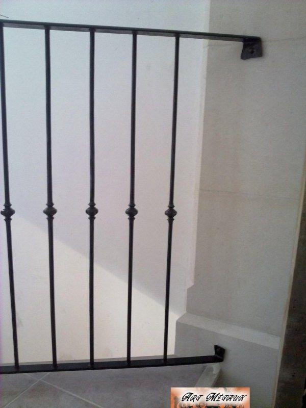 Garde corps fer forgé bruni sur tremie escalier (Istres)
