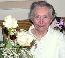 Elli Michler an ihrem 84. Geburtstag. Am 18. November 2014 ist die Lyrikerin im Alter von 91 Jahren in Bad Homburg verstorben. Der Don Bosco Verlag trauert um seine Autorin.
