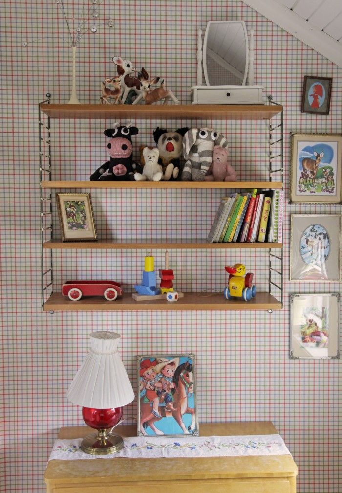 Kids Nursery from UnderbaraClara | UnderbaraClaras värld. Feauturing Yawama of Sweden handknitted ecological elephant and cow.